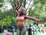 我勒了去、芙蓉姐姐雕塑惊现上海,惊呆了!
